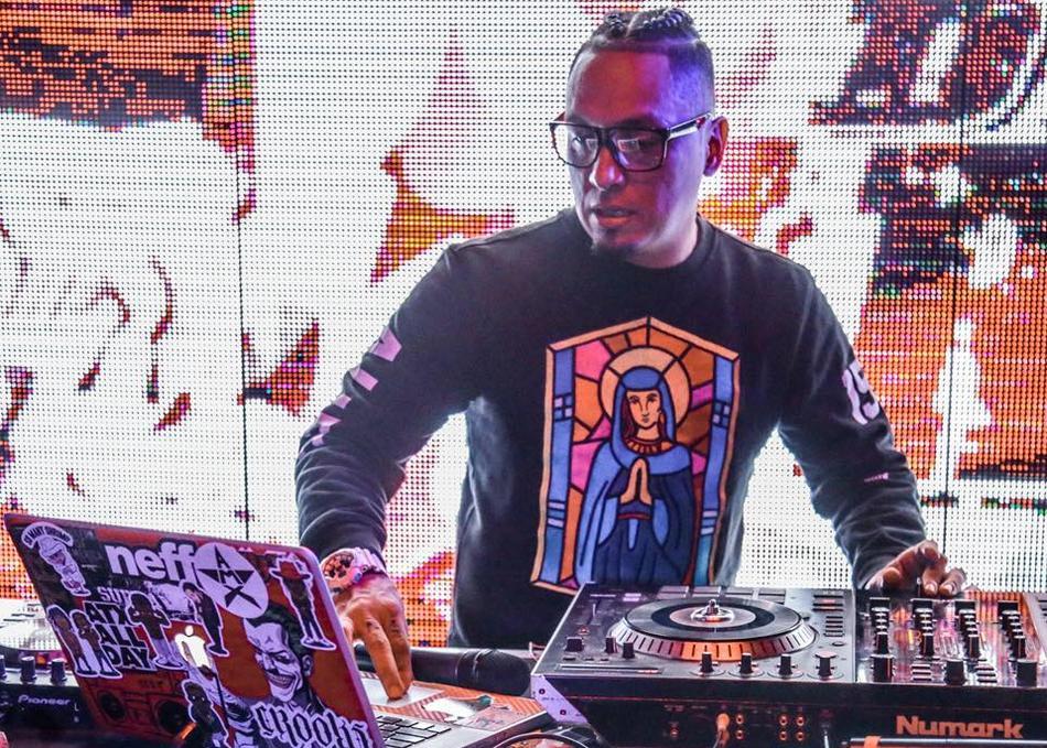 League DJ JRO